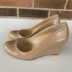 Like new Jessica Simpson nude wedge shoes